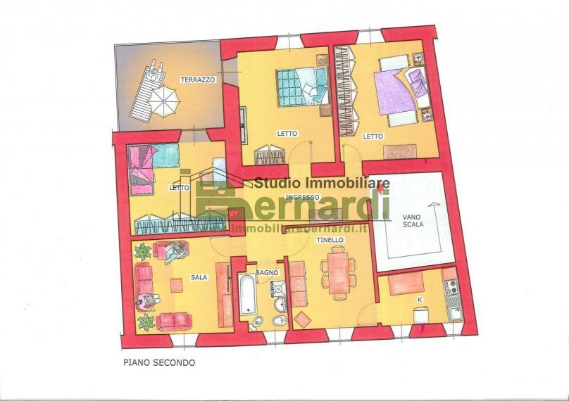 AP369 - Ampio appartamento centrale