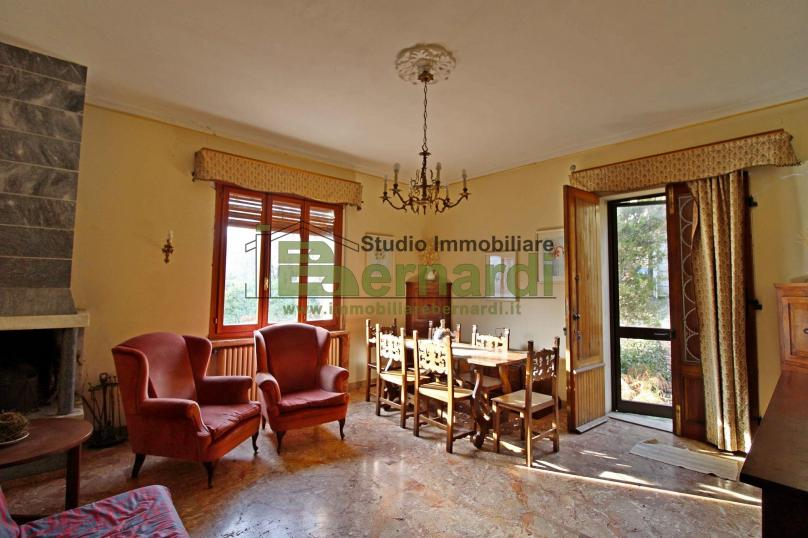 AB511 - Villa indipendente con giardino