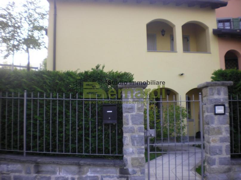 VI314 - Bellissima villa con giardino