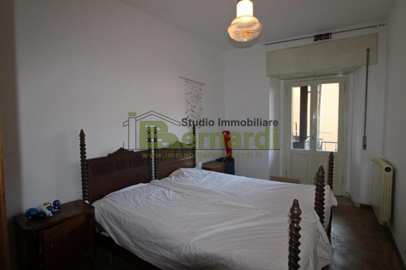 AP369_A - Ampio appartamento centrale