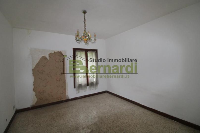 AP490 - Ampio appartamento con soffitta