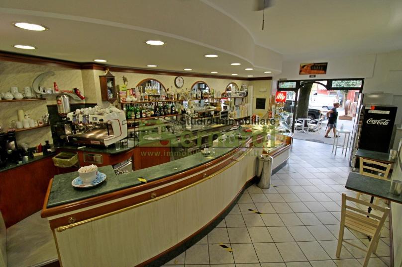NE498 - Bar in Piazza della Vittoria