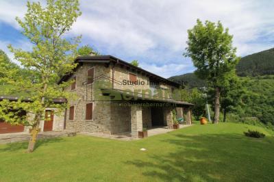 VI486 - Villa in sasso a Canevare