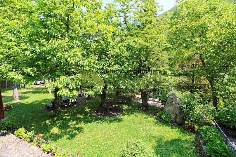 AB523 - Abitazione con ampio giardino