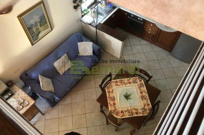 AF242 - Appartamento in villetta