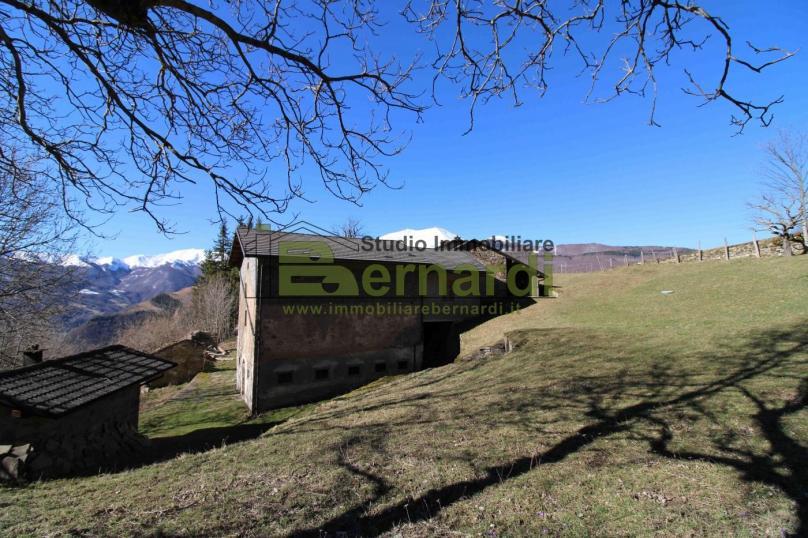 RU359 - Ex fienile con vista panoramica