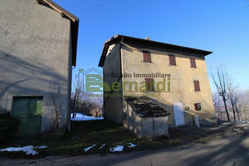 RU512 - Abitazione rustica a Trignano