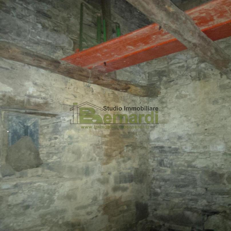 RU347 - Rustico in sasso a Fellicarolo