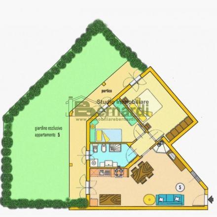 AF199 - Appartamento con giardino