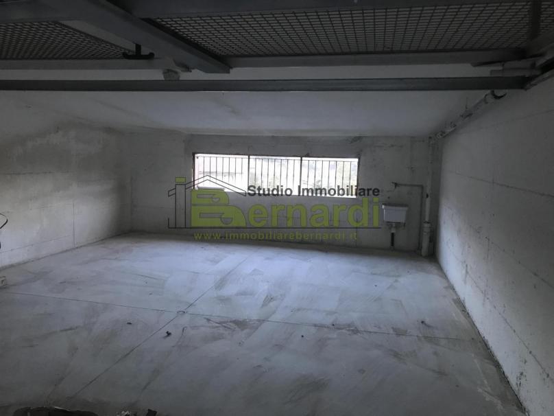 GA307 - Garage in zona Magnolino