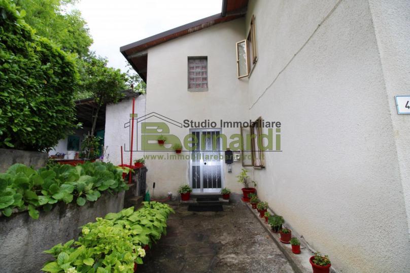 AP491 - Appartamento con giardino